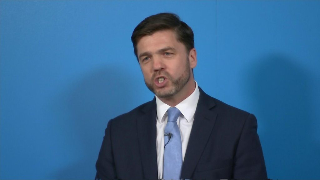 First Tory contender launches bid