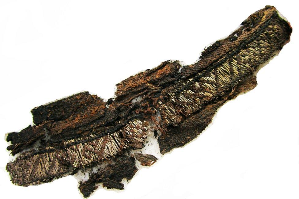 Fragmentos de tela vikingos.