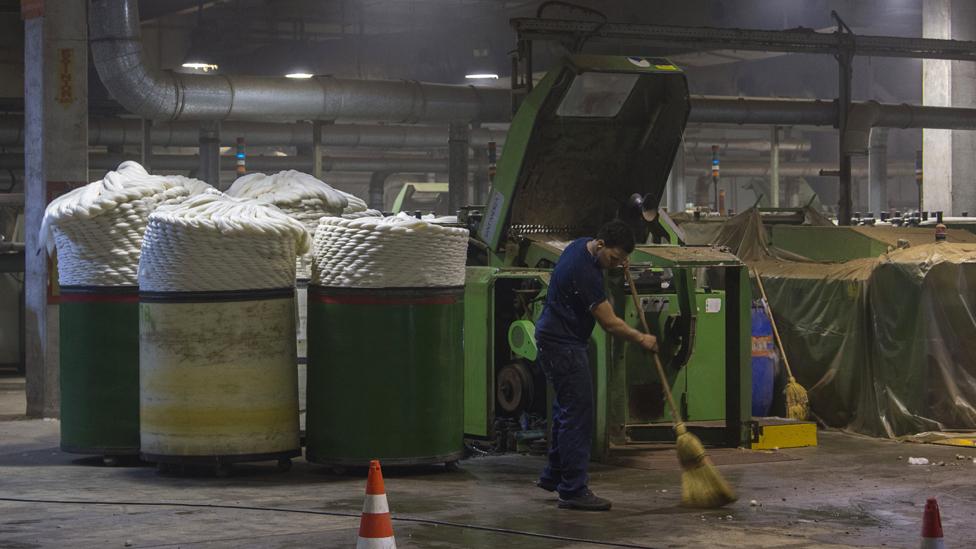 Uno de los productos más caros en Argentina son los textiles, un sector sujeto a impuestos, distorsiones y falta de competencia.