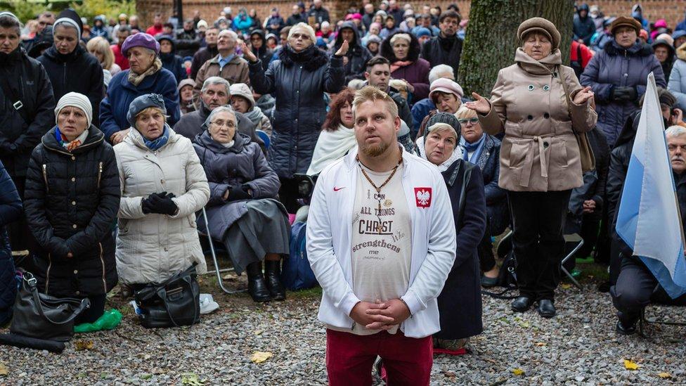 Поляки масово помолилися на кордонах