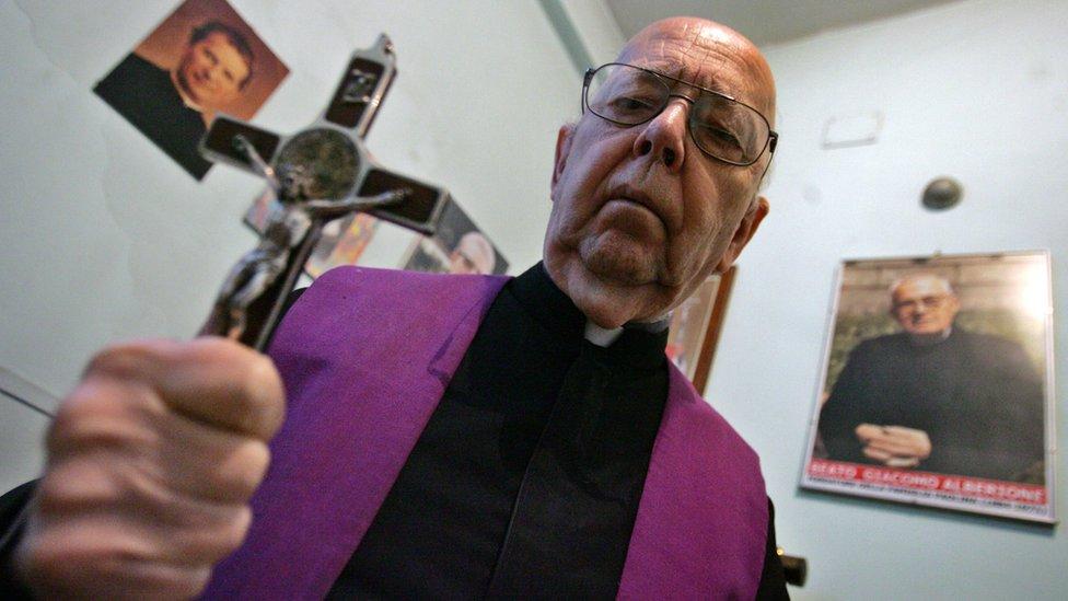 Exorcista Gabriele Amorth.