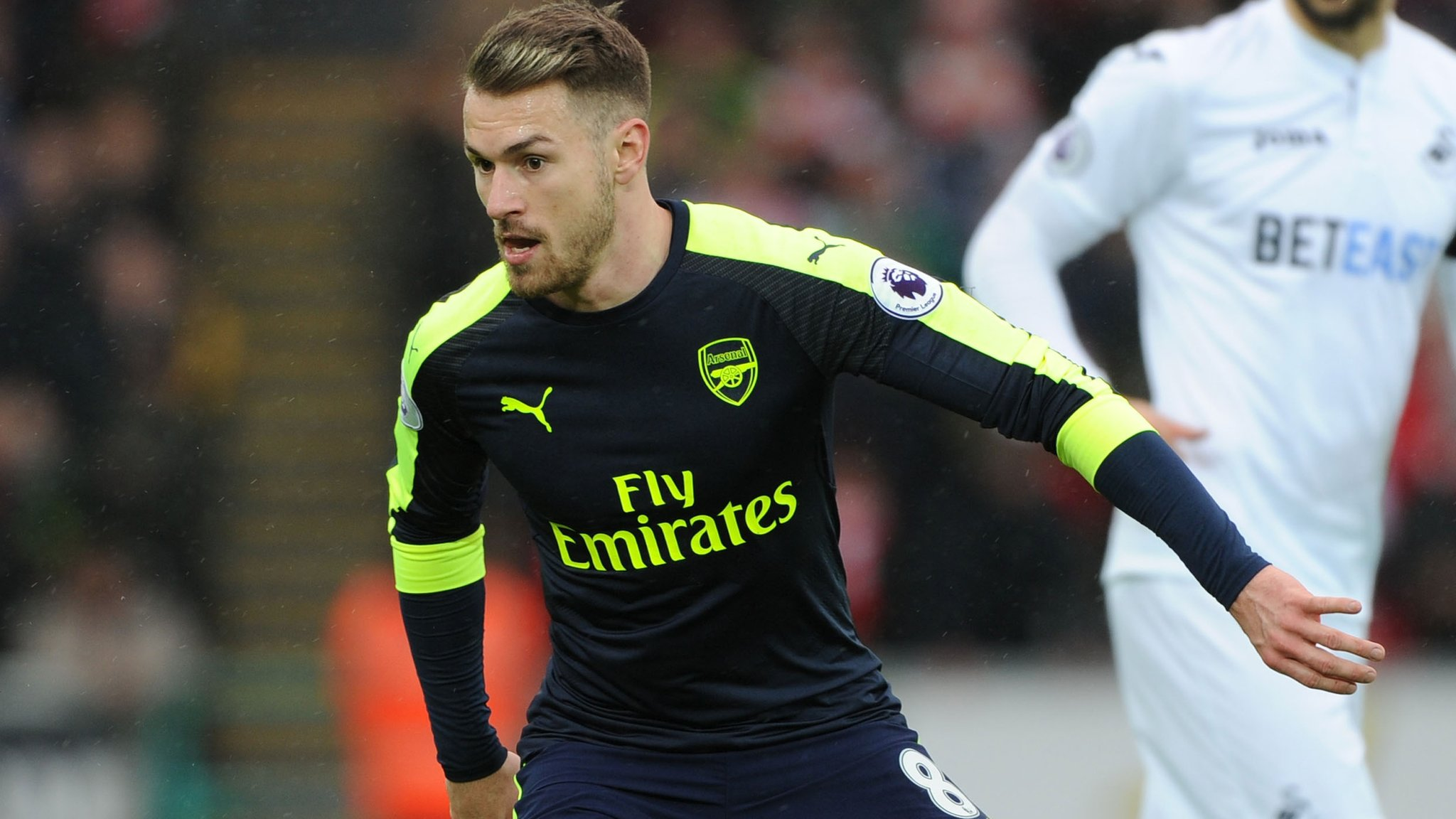 Aaron Ramsey: Chris Gunter defends teammate from Arsenal fan criticism