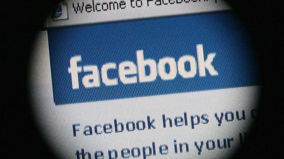 فيسبوك يعتزم الكشف عن الصفحات الروسية لتلفيق الأخبار