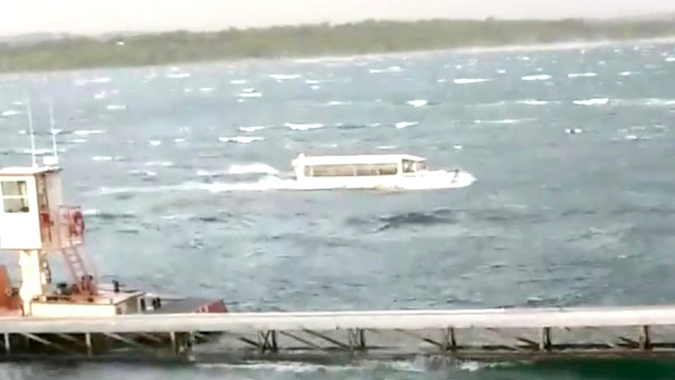 Missouri duck boat capsizes killing at least 11 people