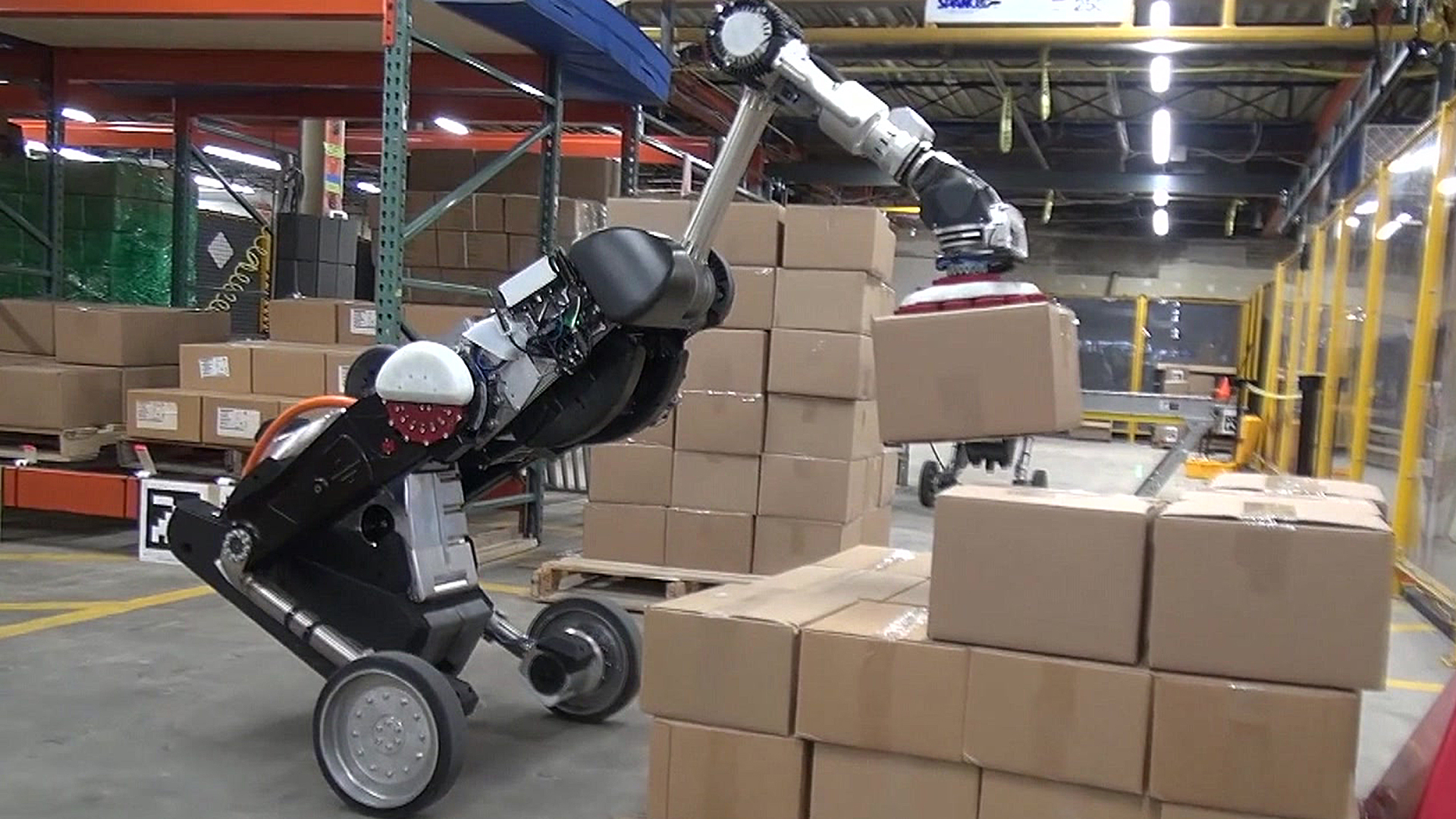 Box lifting warehouse robots unveiled
