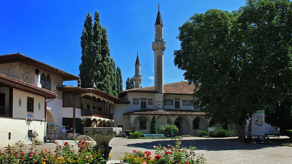 Ukraine to broadcast to Crimean Tatars