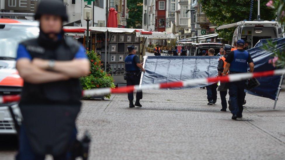 إصابة 5 أشخاص في هجوم بمنشار آلي في سويسرا