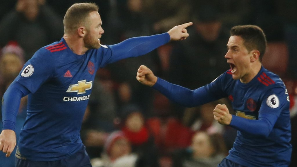 Rooney breaks Charlton's record with injury-time equaliser at Stoke