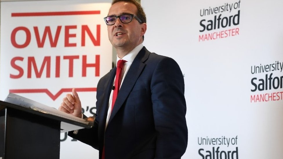 Brexit: Owen Smith opposes Article 50 move without vote