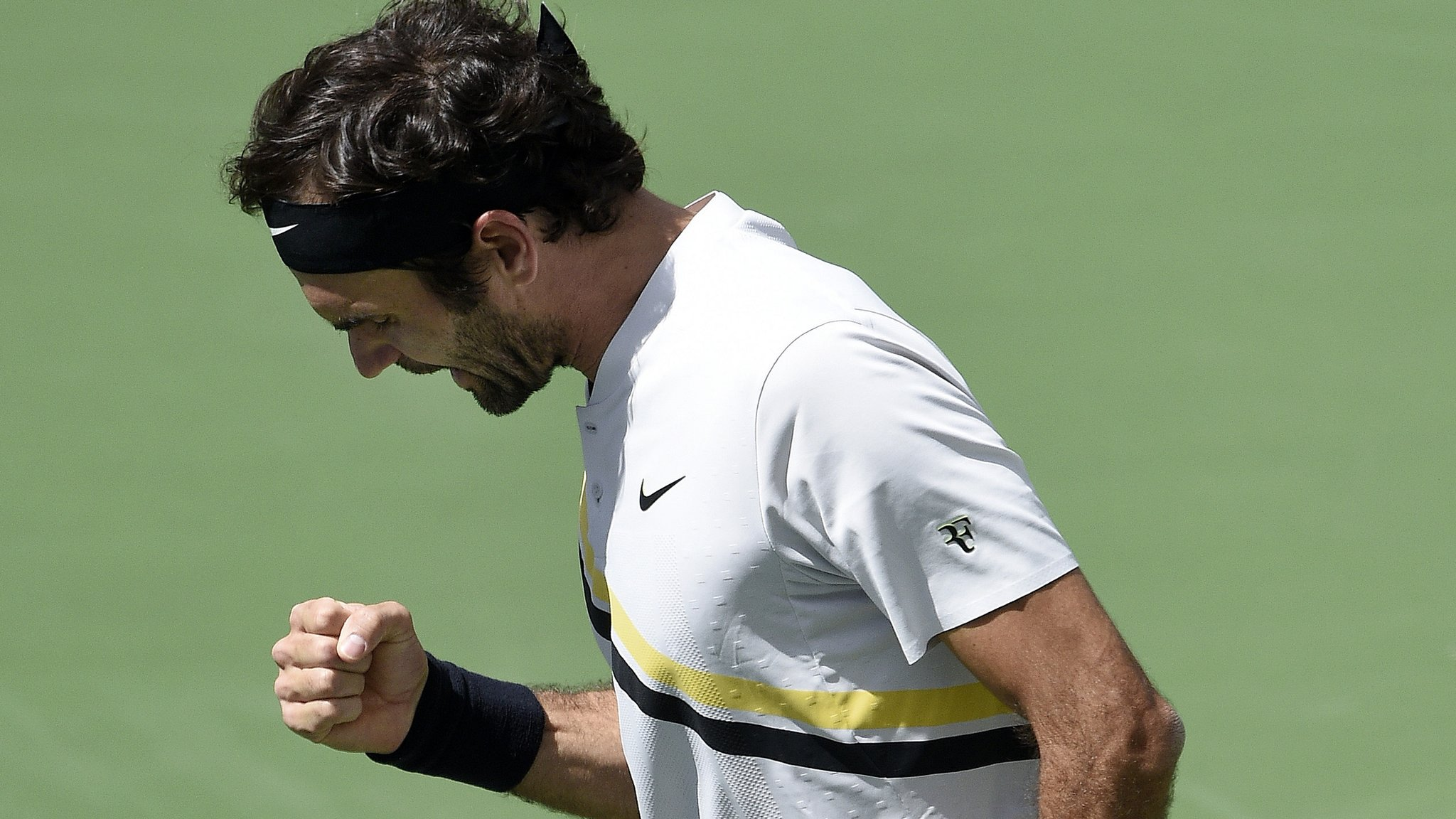 Federer makes best start to season to reach Indian Wells final