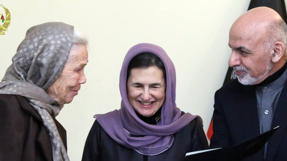 امریکایۍ مېرمنې ته د افغانستان تابعیت ورکول