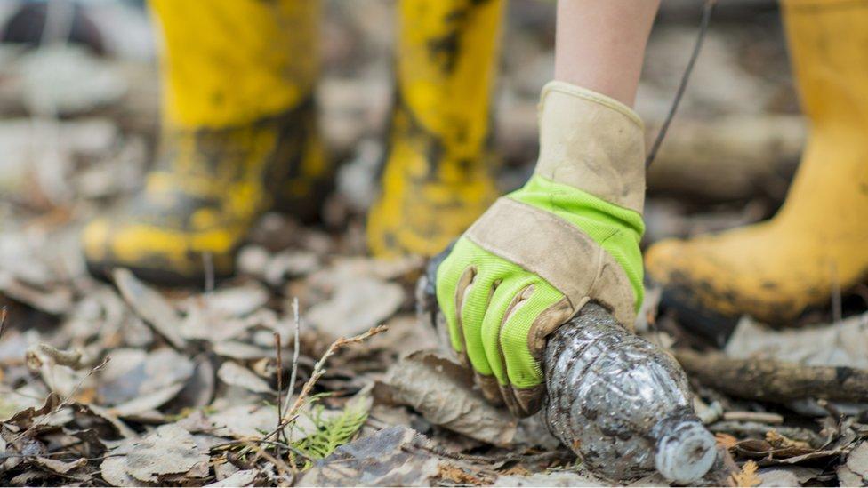 Flintshire council takes over litter enforcement from Kingdom