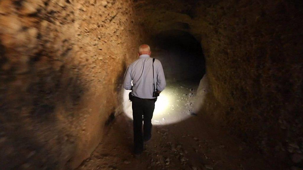 Syria war: Rebels' underground tunnel network in Douma | BBC