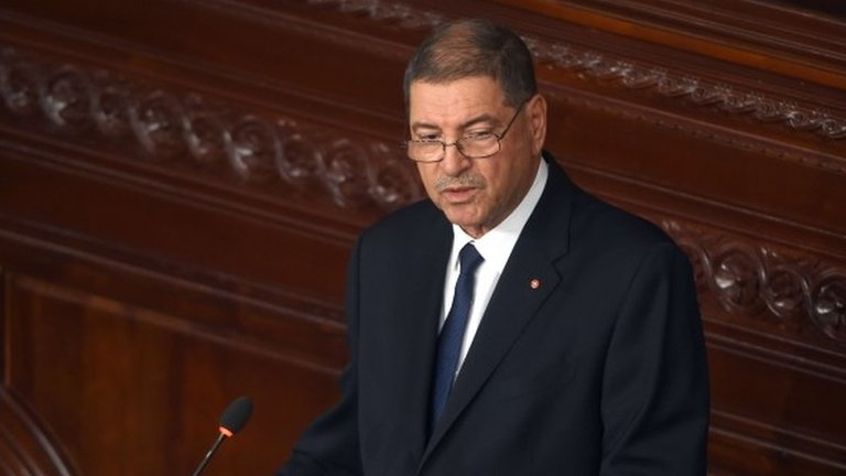 Tunisia's prime minister says the slow response of police to last week's deadly attack was a major problem.