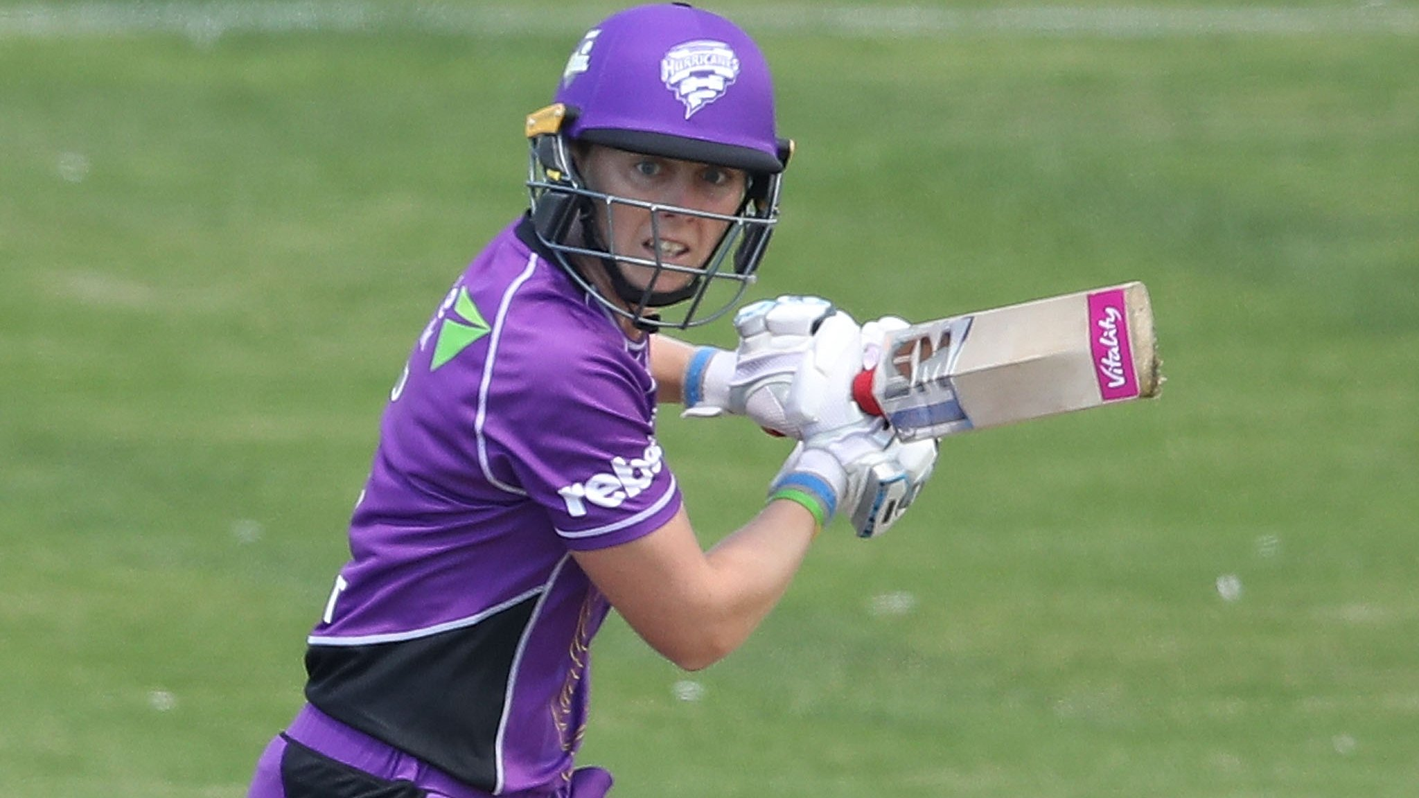 England's Knight makes unbeaten 82 on WBBL return