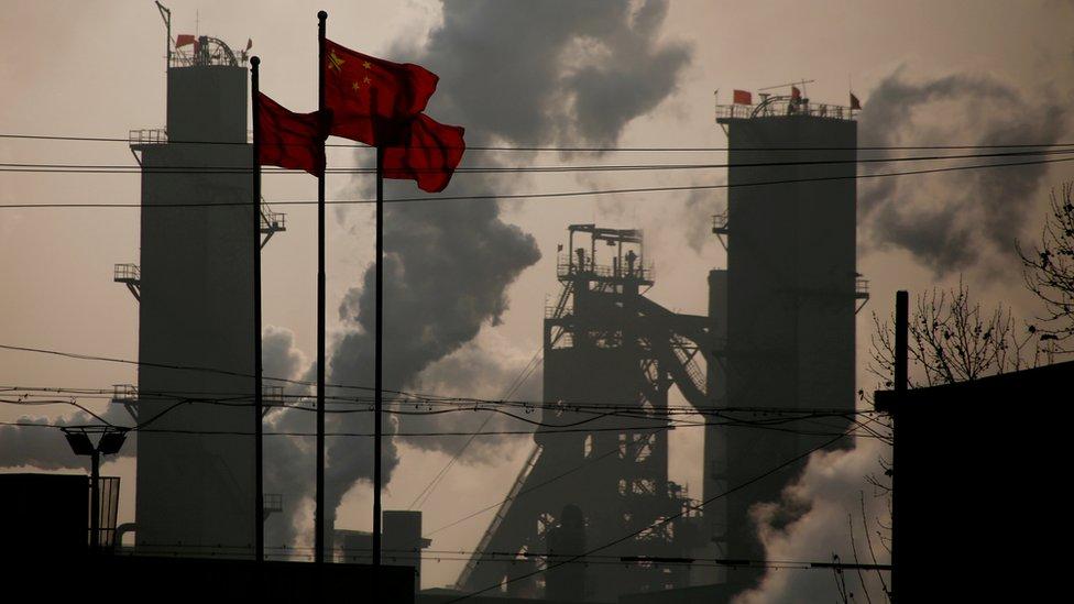 Muchos inversores temen que el anuncio desate una guerra comercial entre Estados Unidos y China.