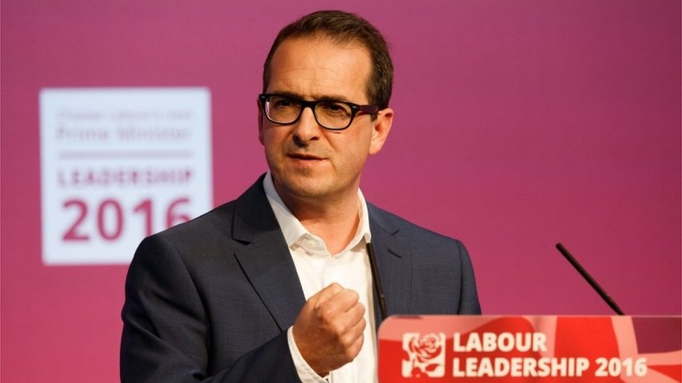 Labour leadership: Smith pledges to scrap tuition fees