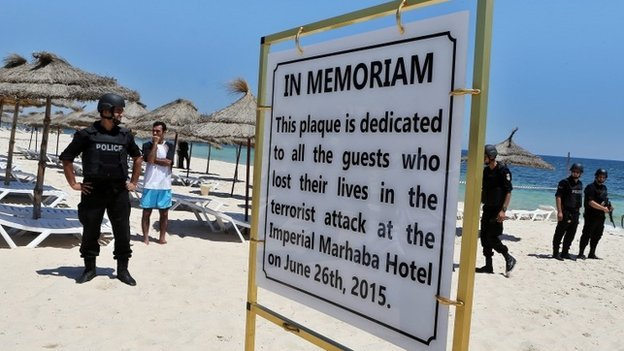"There are ""strong"" links between June's Tunisia beach massacre and the killings at the Bardo Museum in the country's capital in March, British police say."