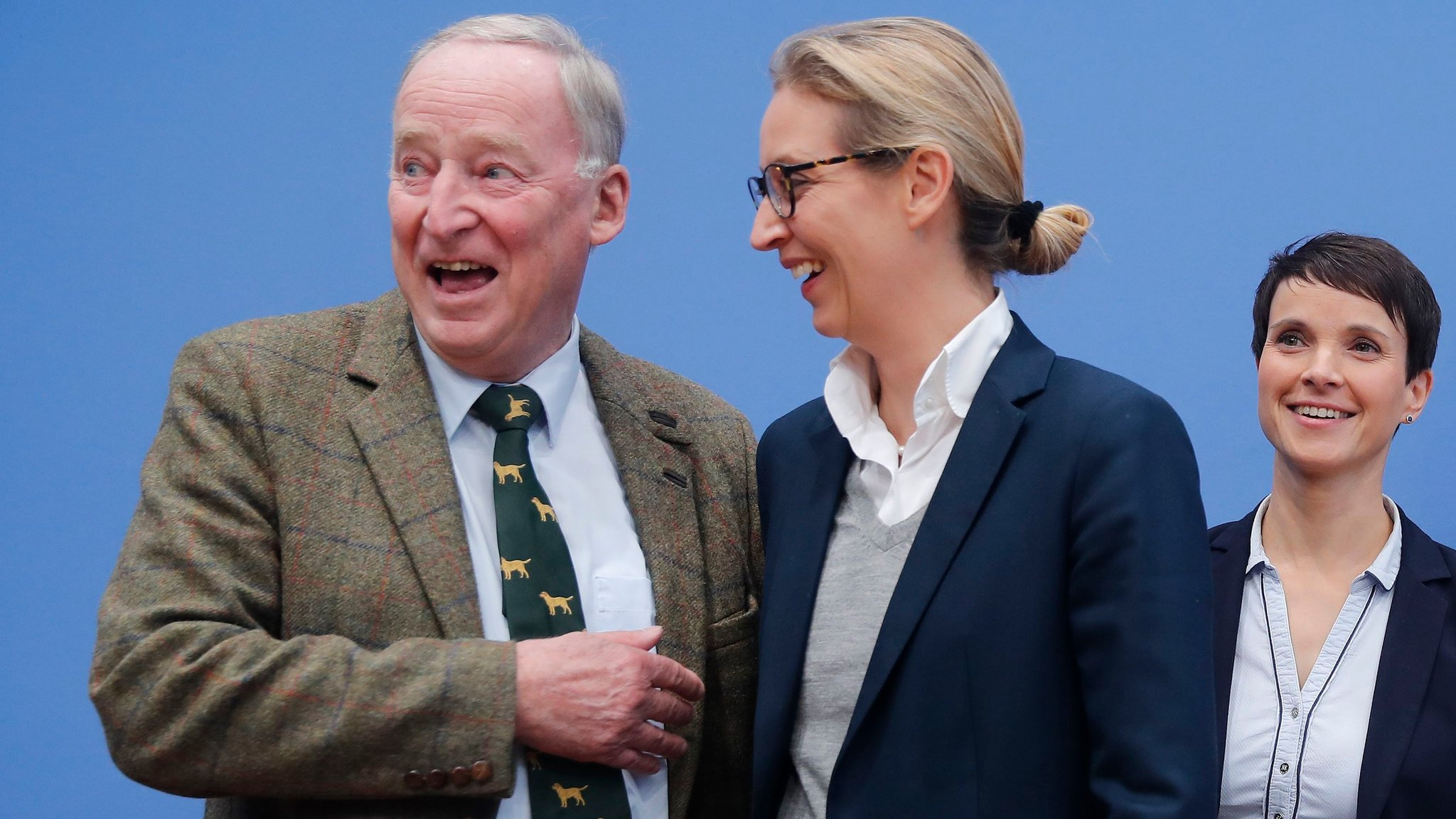 German nationalists to fight 'foreign invasion'