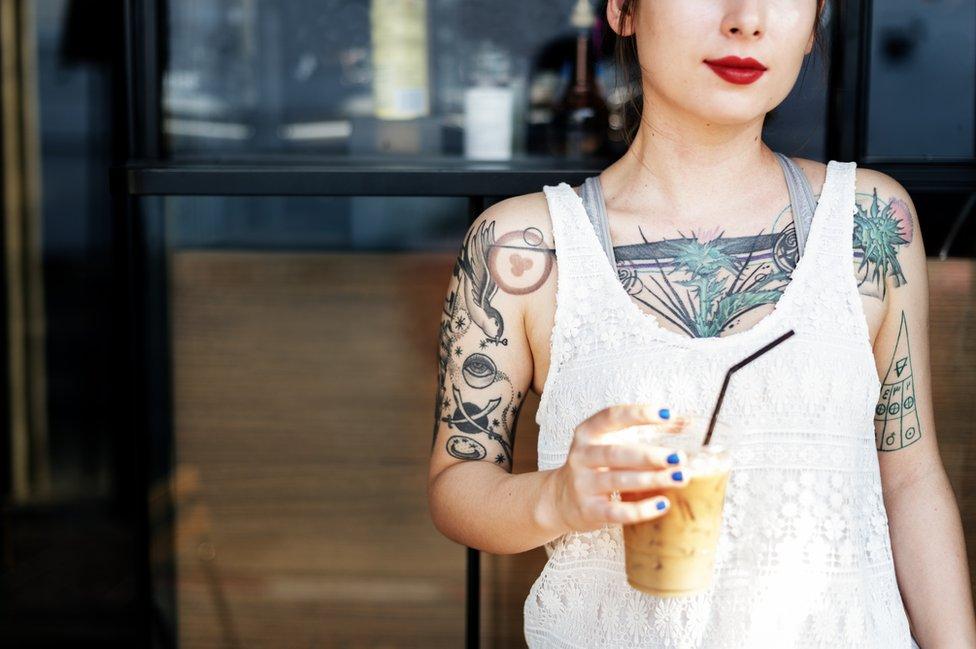 Cerca de 30% de menores de 35 años en todo el mundo tienen tatuajes, según la Sociedad Europea de Investigación en Tatuaje y Pigmentos.