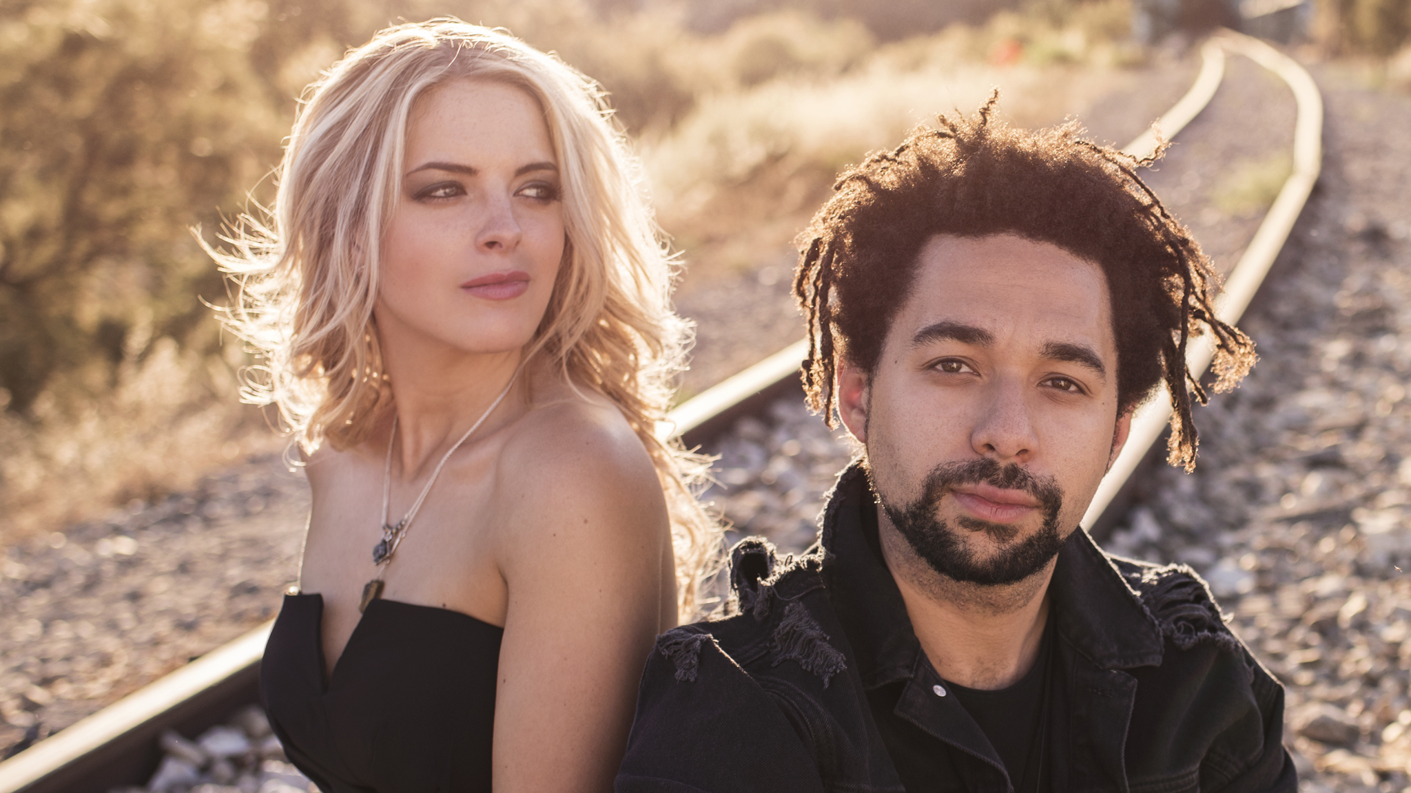 The Shires sign US record deal with man who discovered Taylor Swift