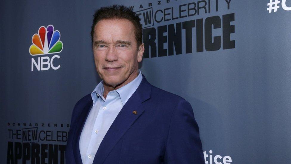 Trump afirma que Schwarzenegger fue botado de