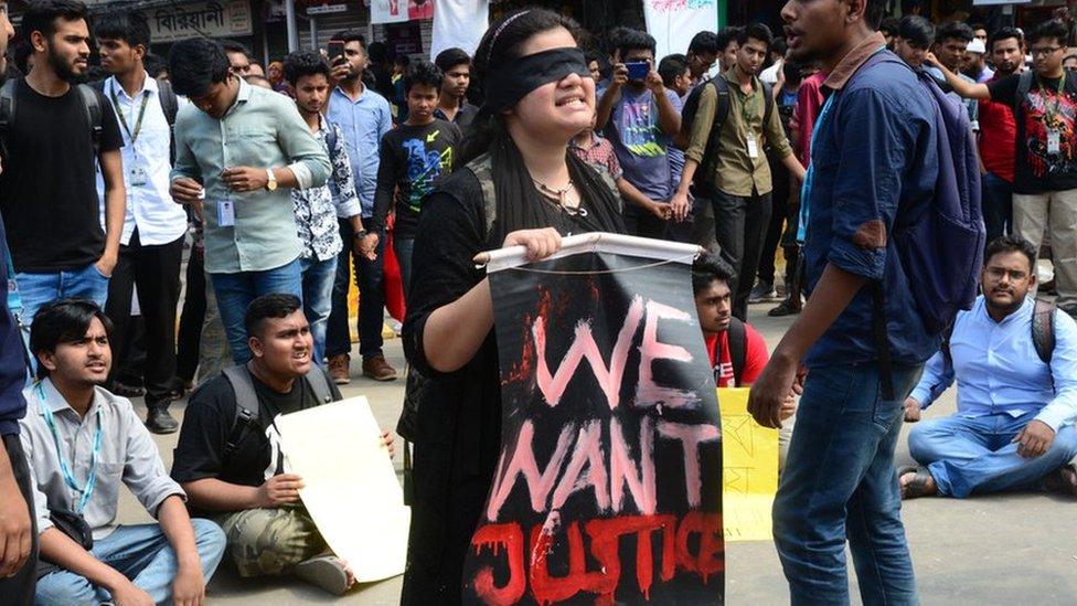 নিরাপদ সড়ক: ইলিয়াস কাঞ্চন বলছেন - সরকার পরিবহন মালিক-শ্রমিক সংগঠনকে ভয় পায়