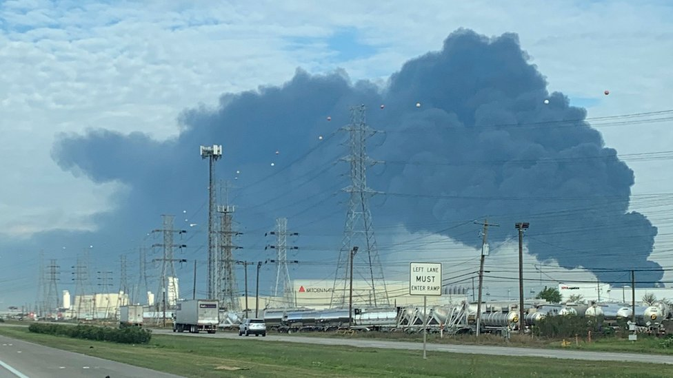Texas chemical fire: Residents of Deer Park warned to stay indoors