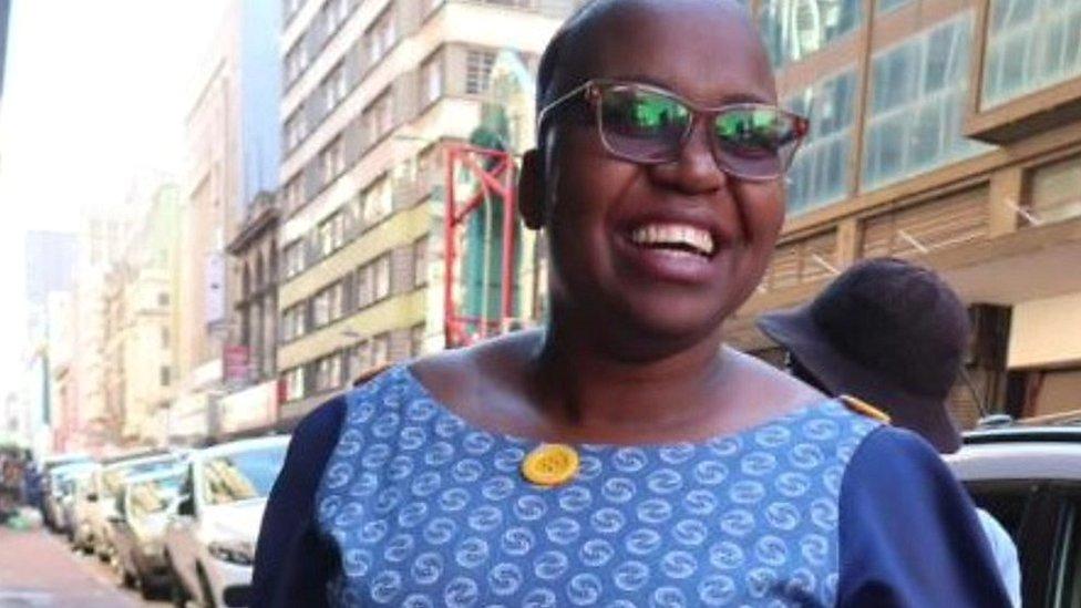 Afrique du Sud: le tissu traditionnel Shweshwe revient à la mode