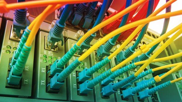 Hammond to pledge superfast broadband for most homes