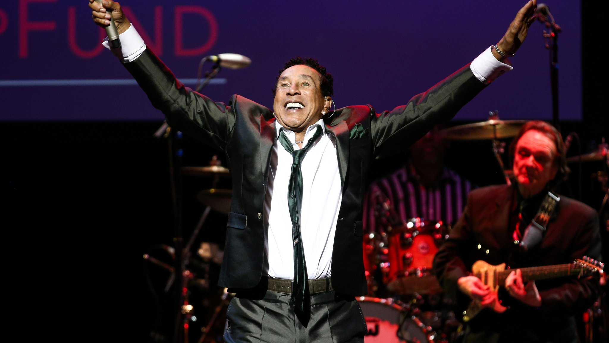 BBC News - Smokey Robinson to receive Gershwin music honour