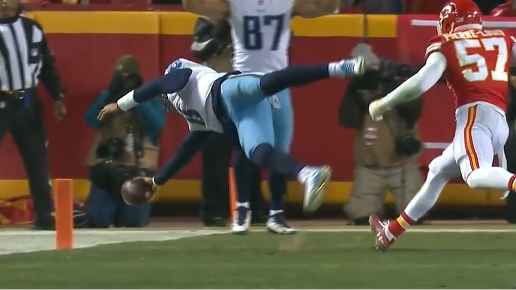NFL: Marcus Mariota catches own touchdown pass as Titans beat Chiefs