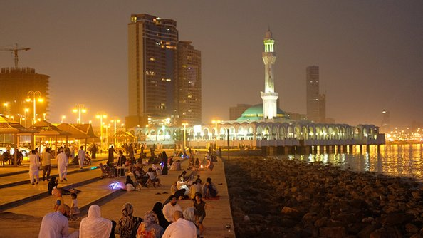 سعودي کې افغان جګړه د شریعت له مخې ارزول کېږي