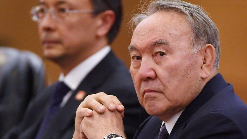 Почему Назарбаев ушел и что это значит для страны? Эксперты об отставке президента Казахстана