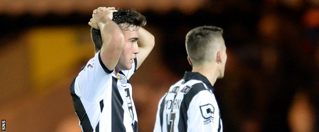 St Mirren's Stevie Mallan looks dejected at the final whistle