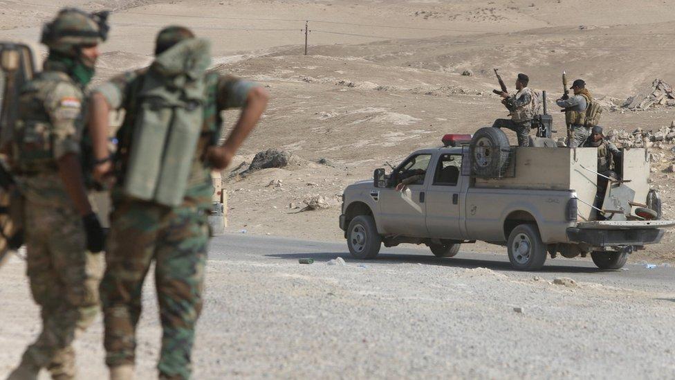 د موصل عملیات: 'عراقي ځواکونو' کلیوال وربړول او ویې وژل