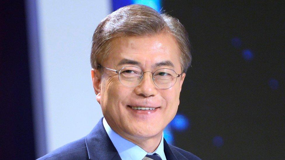 Abren colegios electorales en Corea del Sur para las presidenciales