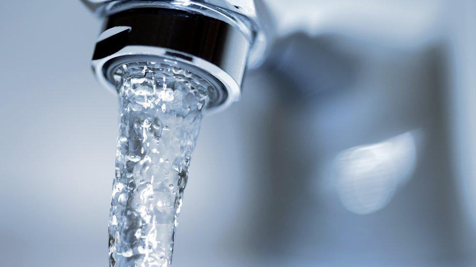 Las empresas catalanas han invertido en sectores estratégicos de América Latina como el agua.