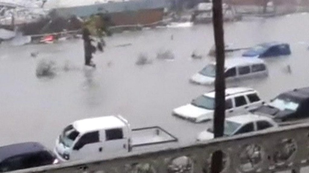 Hurricane Irma: Gales and flooded cars in St Martin