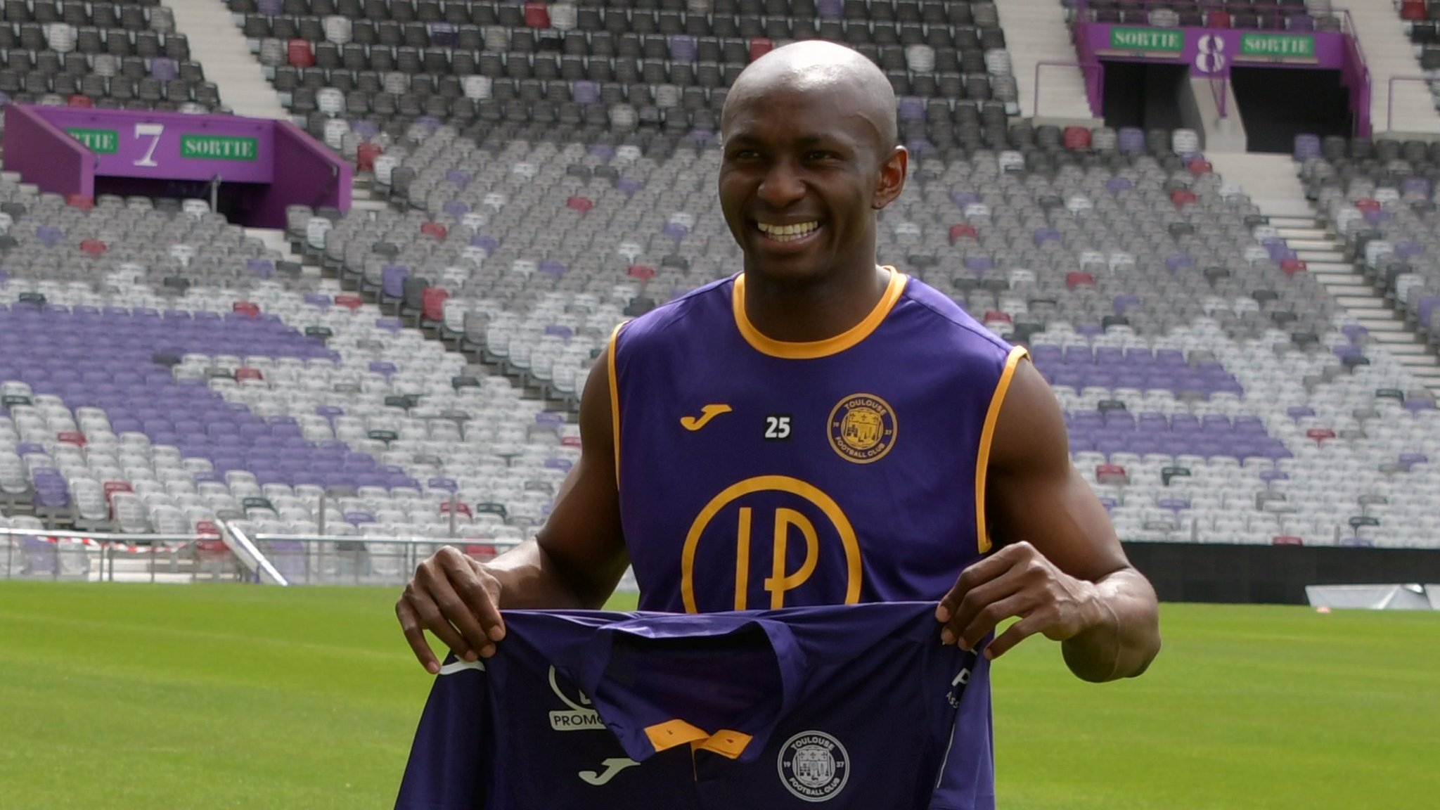 Cameroon's Stephane Mbia leaves French club Toulouse
