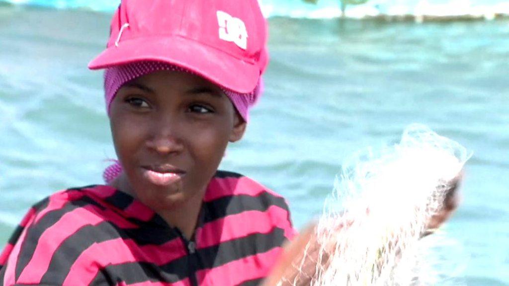Somali fisherwoman breaks boundaries in Mogadishu
