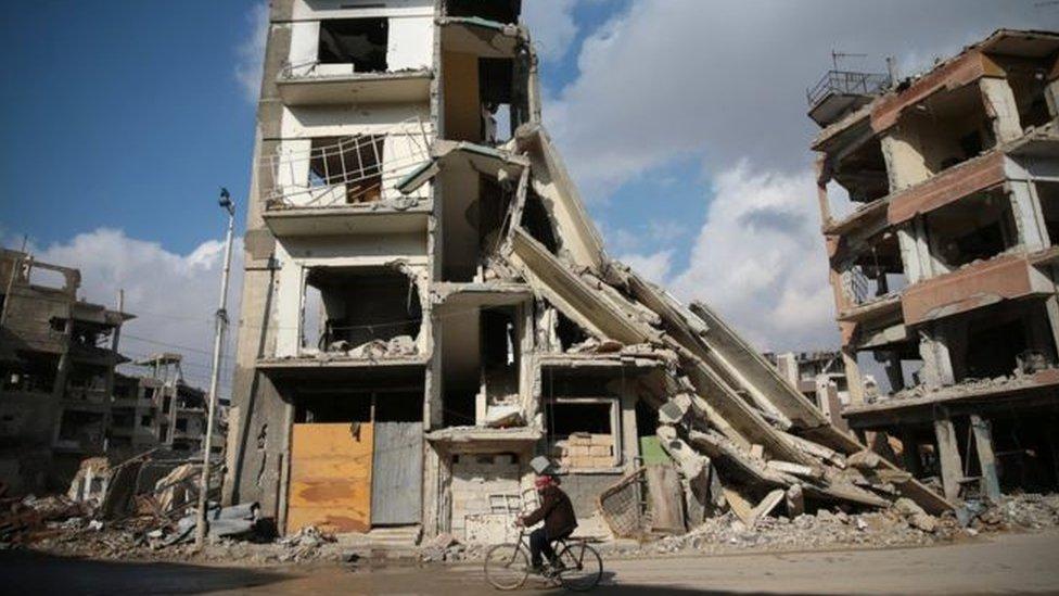 مناطق سورية خاضعة لسيطرة المعارضة بالقرب من دمشق
