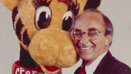 Toys R Us founder Charles Lazarus dies at 94 as his company folds