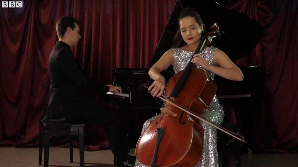 Nghệ sỹ cello Đinh Hoài Xuân: 'Tôi đã chọn đúng đường'