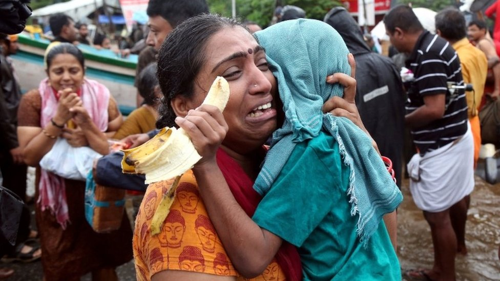 Kerala floods: Rescue efforts step up as rains begin to ease