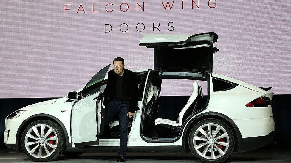 Tesla revolucionó los carros eléctricos.