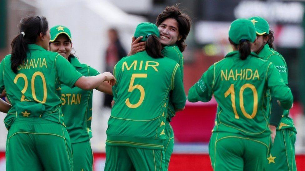 'خواتین کرکٹ کا مستقبل نوجوان کھلاڑیوں کے ہاتھوں میں ہے'