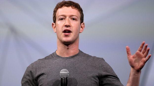 Mark Zuckerberg fue citado a declarar ante una comisión del Parlamento británico.
