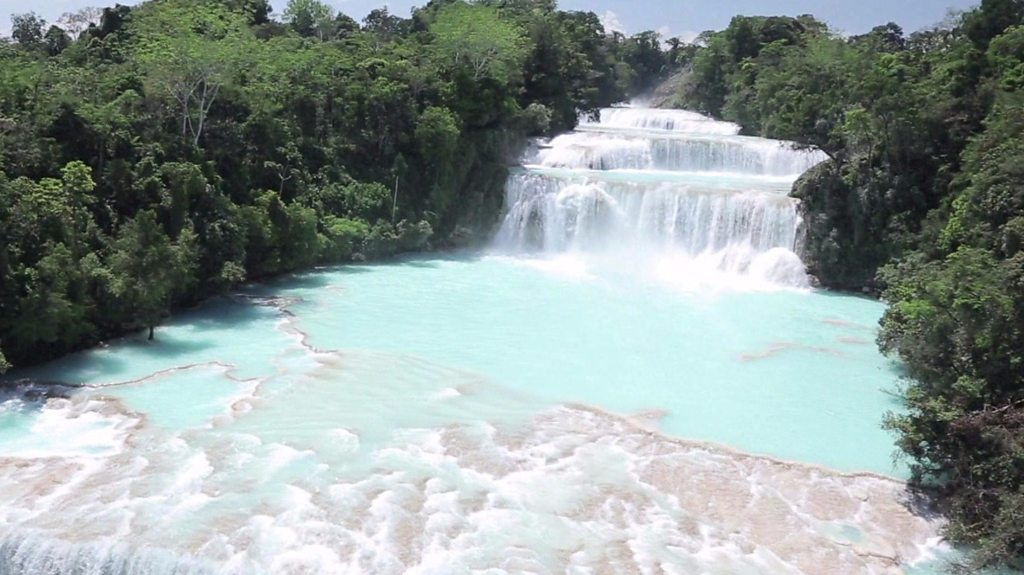 Battle to restore Mexico's quake-hit waterfall