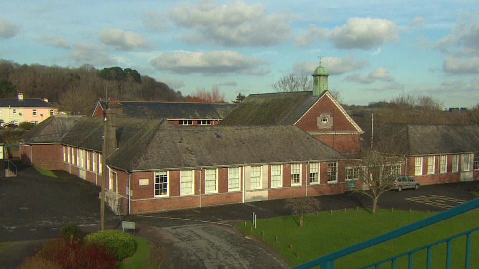 Measles outbreak hits 13 pupils at Devon school